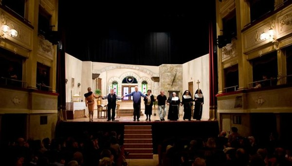 La Compagnia Teatrale Atriana presenta