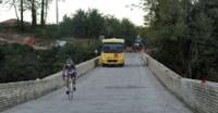 Dopo le indagini strutturali, limitazione di transito sul ponte Salinello a Villa Passo
