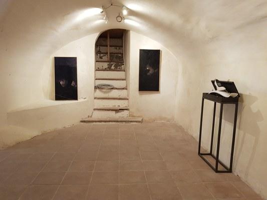 Pietracamela ri-apre il borgo fra i più belli d'Italia. Nei magazzini di Palazzo Dionisi la mostra di Mariano Moroni.